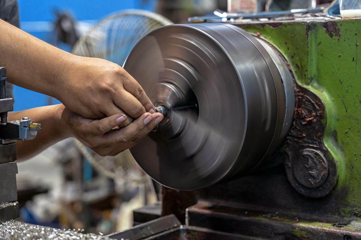 how do i become a machinist