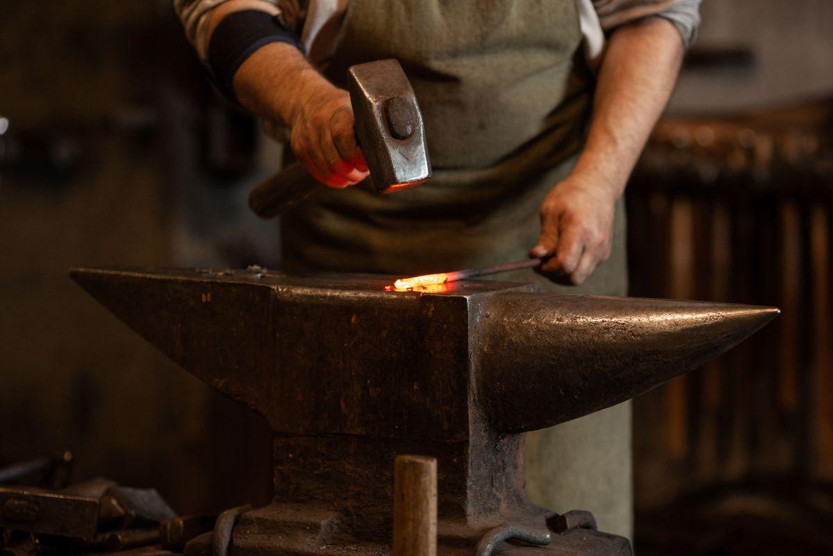 how do i become a blacksmith